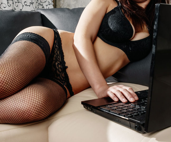 5 things to know before you get into camming
